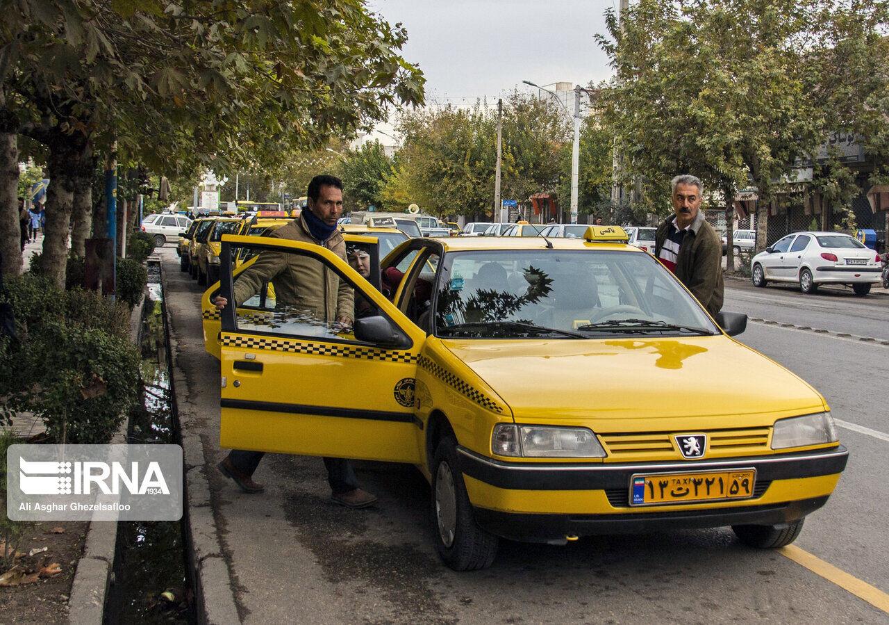 گنبدیها به جای باقیمانده کرایه تاکسی، آدامس و کبریت میگیرند